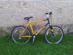 Schwinn mountain bike for Sale in El Monte, CA