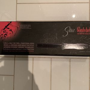 Sultra the Bombshell 1 Inch Rod Curling Iron for Sale in Brooklyn, NY
