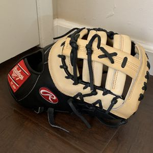 "Rawlings Heart Of The Hide 13"" First baseman's Glove for Sale in San Diego, CA"