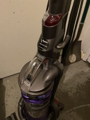 Dyson upright vacuum for Sale in San Francisco, CA