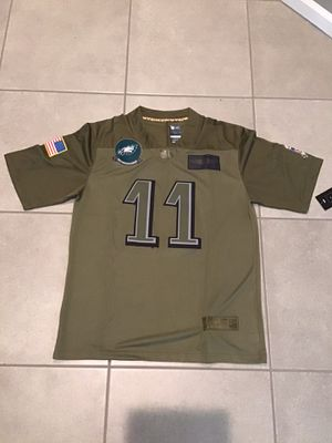 Men's Philadelphia Eagles Carson Wentz Camo 2019 Salute To Service Limited Jersey for Sale in Northbrook, IL