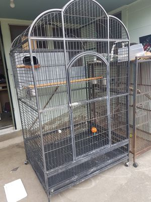 Huge macaw parrot bird cage for Sale in Lodi, CA