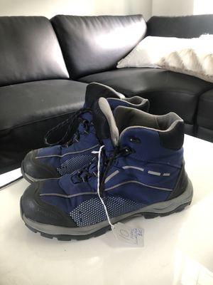 Snow boots men's 10D weatherproof for Sale in Jacksonville, FL