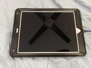 *** Ipad 5th gen finger print reader 32GB No icloud lock *** for Sale in Union City, CA