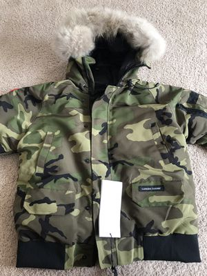 Canada Goose 🇨🇦 Women Parka Size Medium Brand New $850 for Sale in Centreville, VA