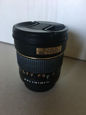 Rokinon 85mm 1.8 lens for Sale in Tampa, FL