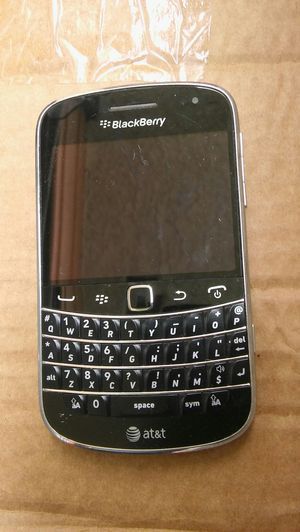 Blackberry bold 9900 Atnt 4G some visible scratches and scuffs Refurbished coming phone different than pic but almost same condition. for Sale in Los Angeles, CA