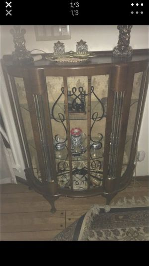 Antique French curio cabinet for Sale in Los Angeles, CA