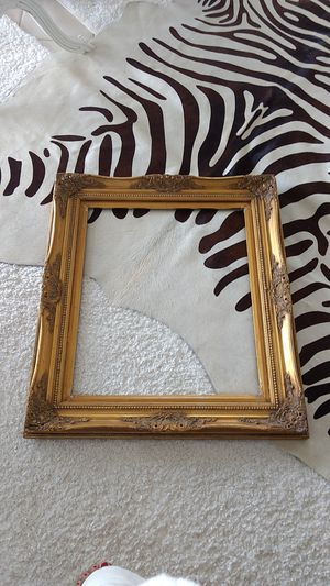 Heavy duty gold frame for Sale in West Palm Beach, FL