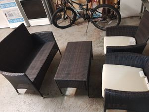 Outdoor patio furniture set like new for Sale in Orlando, FL