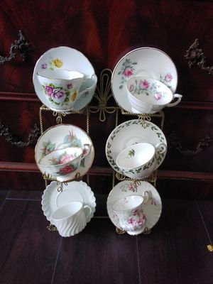 Cups and saucers and hanging holder for Sale in Wildomar, CA