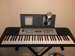 Yamaha YPT-255 Piano for Sale in Compton, CA