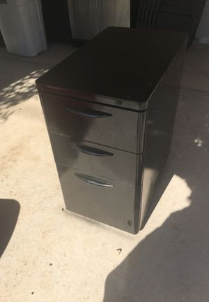 3 Drawer File Cabinet (With Key) for Sale in Phoenix, AZ