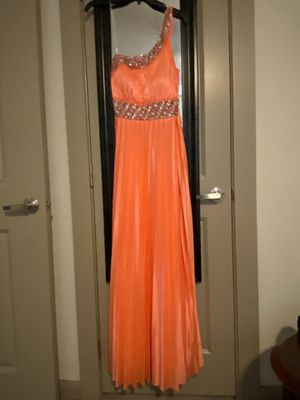 Peach prom dress for Sale in Leander, TX