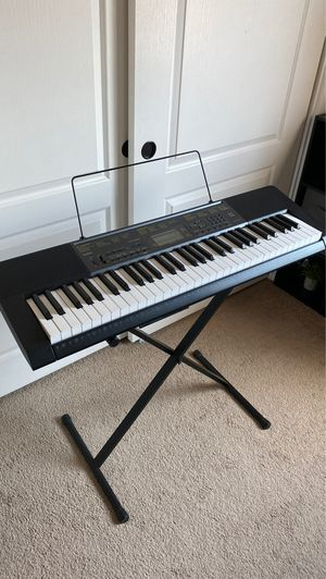 Casio Keyboard Piano with stand for Sale in El Cajon, CA