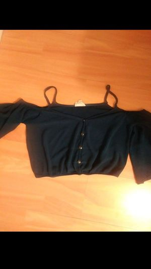 open shoulder crop top size large for Sale in Miami, FL