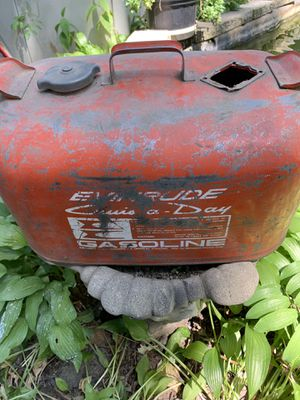 Outboard motor gas tank for Sale in Medinah, IL