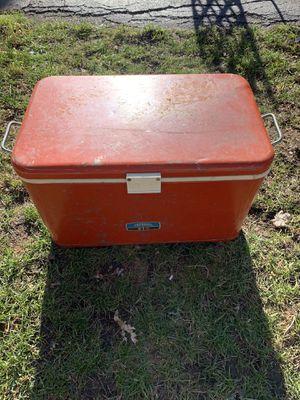 Vintage metal cooler $20 for Sale in Oak Lawn, IL