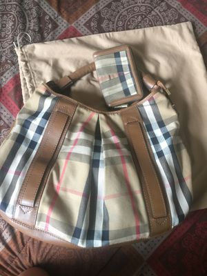Burberry big bag /and wallet for Sale in North Las Vegas, NV