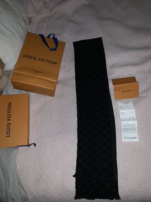 Louis Vuitton scarf for Sale in Parma, OH
