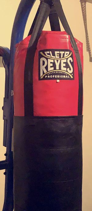 Cleto Reyes Punching Bag for Sale in Katy, TX