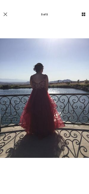 Gorgeous Prom Dress worm 1x Very pretty size 6 for Sale in Highland, CA