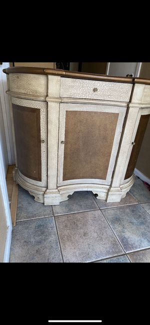 Entry cabinet for Sale in Haltom City, TX
