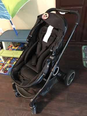 Chicco Urban Stroller for Sale in Oak Glen, CA