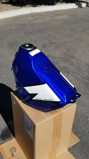 DRZ400 Blue Metal Gas Tank for Sale in Escondido, CA
