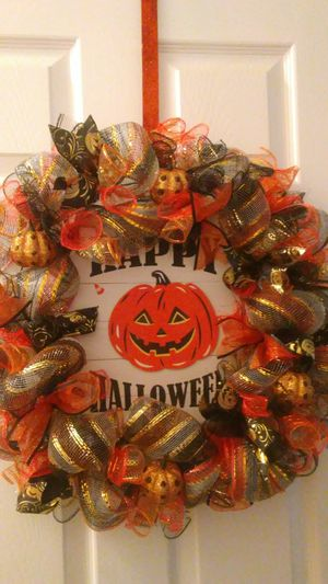 Happy Halloween large wreath for Sale in Reedley, CA