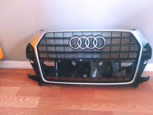 2015 2016. Audi Q3 front Grille Assembly OEM Used 8U0.853.653 M for Sale in Wilmington, CA