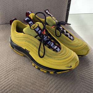 Yellow Nike air max for Sale in Cary, NC