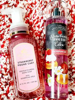 Bath And Body Works Strawberry Poundcake for Sale in Cleveland,  OH