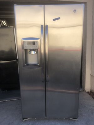 GE stainless steel refrigerator excellent condition for Sale in Henderson, NV
