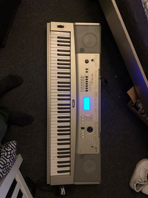 Yamaha keyboard YPG-235 for Sale in Riverside, CA