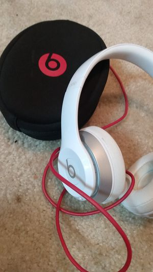 Beats by Dre solo 2 wireless for Sale in Baltimore, MD