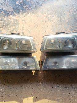 2003-2007 Silverado Headlights for Sale in Auburn,  WA