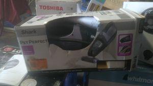 Shark cordless pet perfect 18 volt cordless hand vacuum for Sale in Riverside, CA