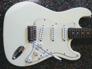 Fever Strat Fender Stratocaster Copy In Excellent Conditon with Whammy Bar for Sale in Los Angeles, CA