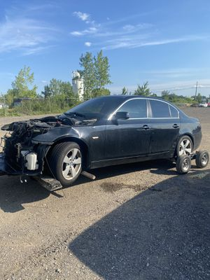 BMW. 530 XI for Parting out Parts only no cats for Sale in Hudson, OH