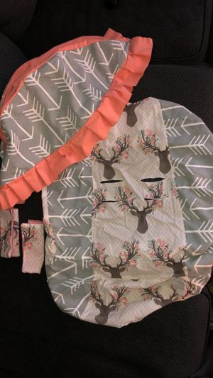 Infant car seat cover for Sale in LEWIS MCCHORD, WA