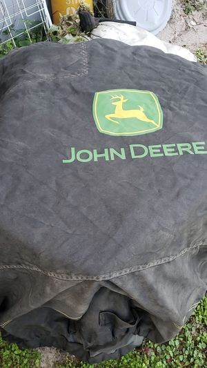 John Deere riding lawn mower cover. for Sale in Mulberry, FL