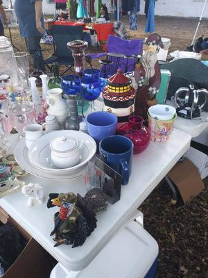 Multiple collectables from Vintage toys, glass wear, Christmas stuff, clothes, ect,. for Sale in San Antonio, TX
