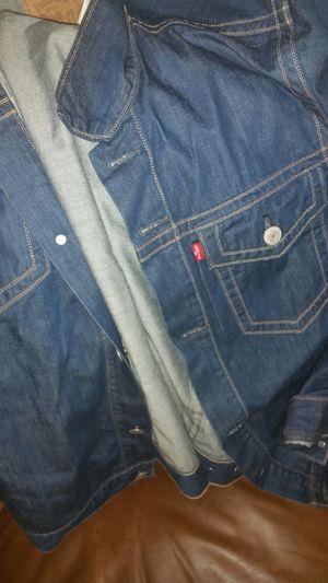 Levis men jacket xl for Sale in Columbus, OH