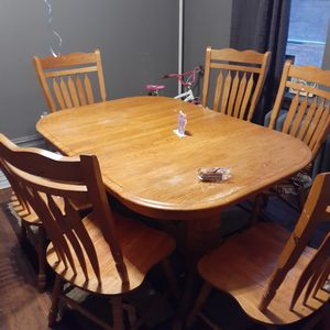 Dinning room table 6 chairs for Sale in Harrisburg, PA