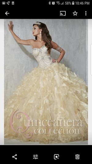 House of Wu Beautiful Gold sweet 16/ Quinceañera dress size 4 and shoes for Sale in Orlando, FL
