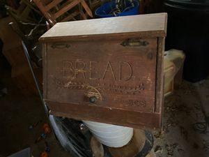 Old bread box for Sale in Cohutta, GA