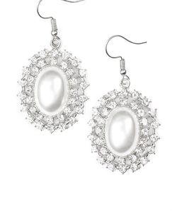 White Pearl Dangle Earrings for Sale in Orlando,  FL