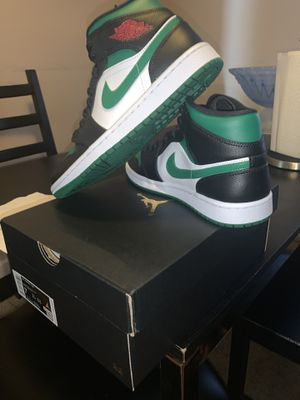Air Jordan 1 Mid Pine Green sz 7 for Sale in North Potomac, MD