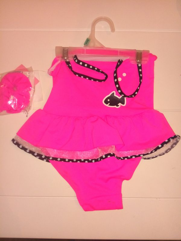 Girls hello Kitty swim suit and matching hair tie size 4T